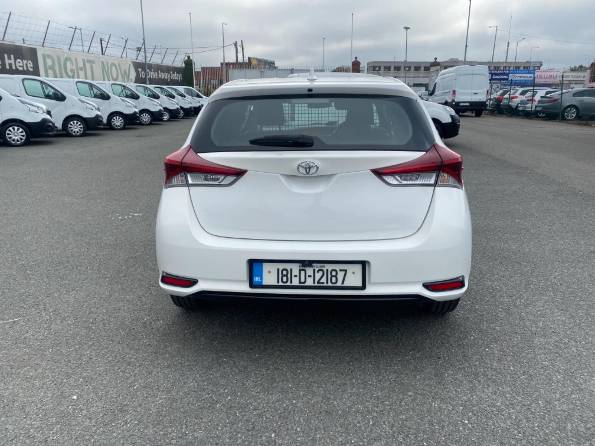 2018 Toyota Auris VAN 1.4 D4D Terra 4DR (181D12187) Image 5