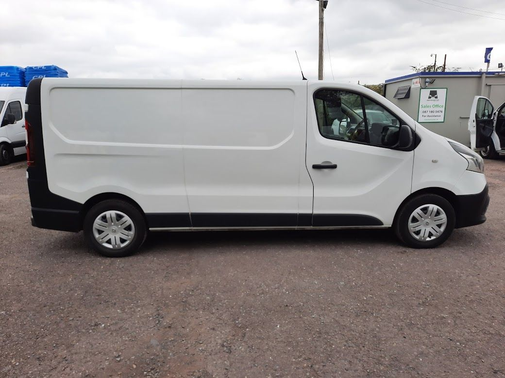 2018 Renault Trafic LL29 DCI 120 Business 3DR (181D13704) Image 9