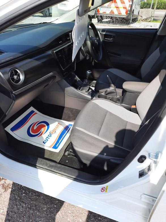 2018 Toyota Auris VAN 1.4 D4D Terra 4DR (181D8856) Image 17
