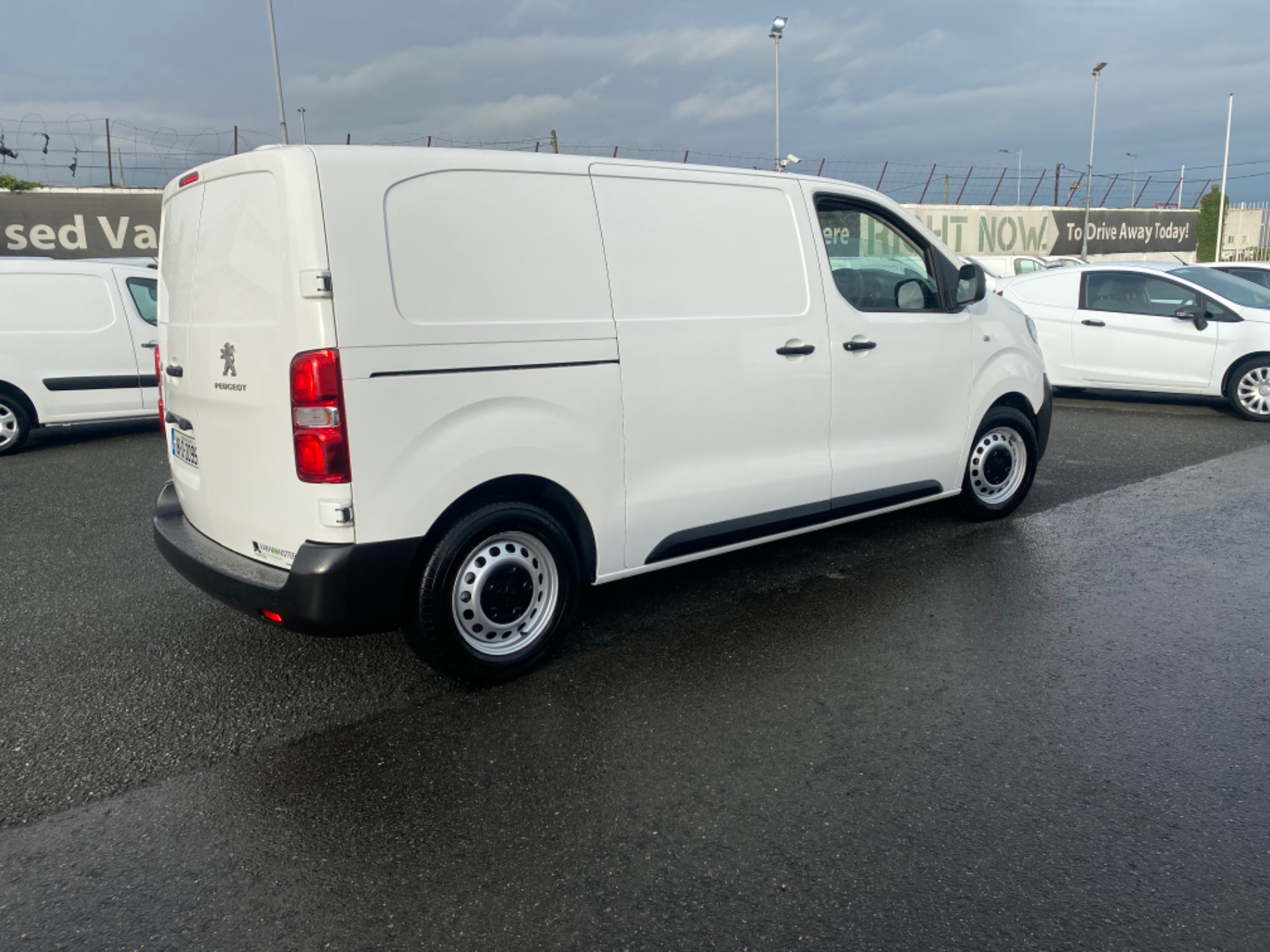 2018 Peugeot Expert Active Standard 1.6 Blue HDI 9 (181D20953) Image 8