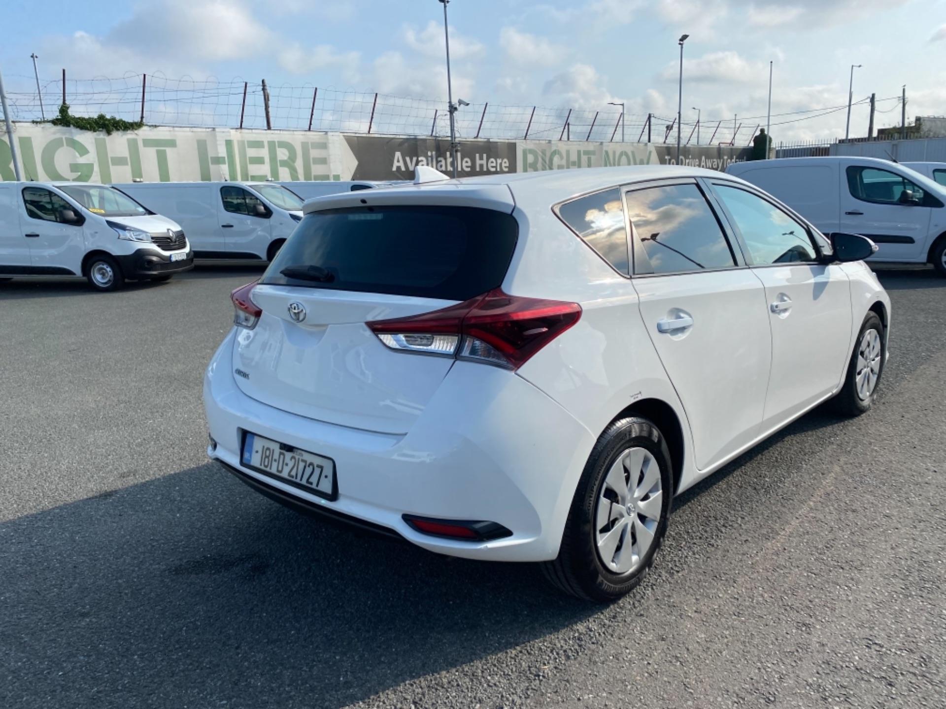 2018 Toyota Auris VAN 1.4 D4D Terra 4DR (181D21727) Image 7
