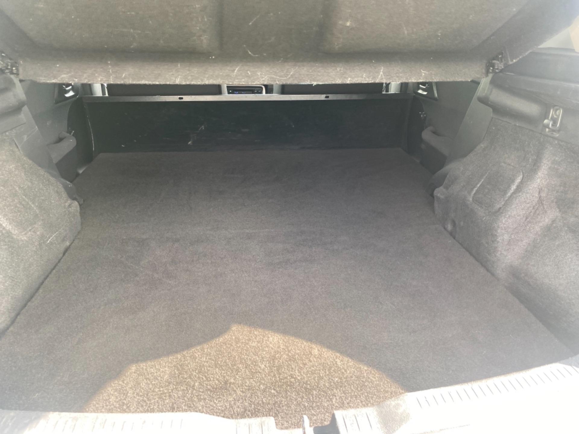 2018 Toyota Auris VAN 1.4 D4D Terra 4DR (181D21736) Image 9