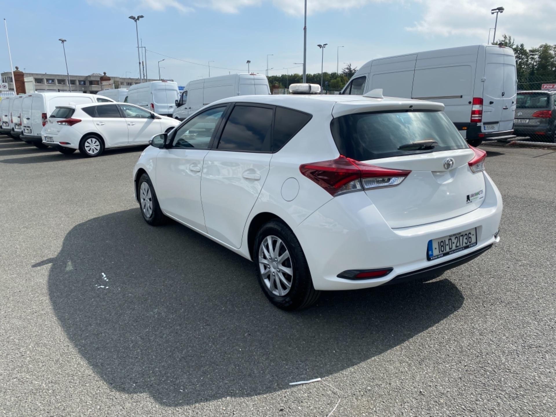 2018 Toyota Auris VAN 1.4 D4D Terra 4DR (181D21736) Image 5