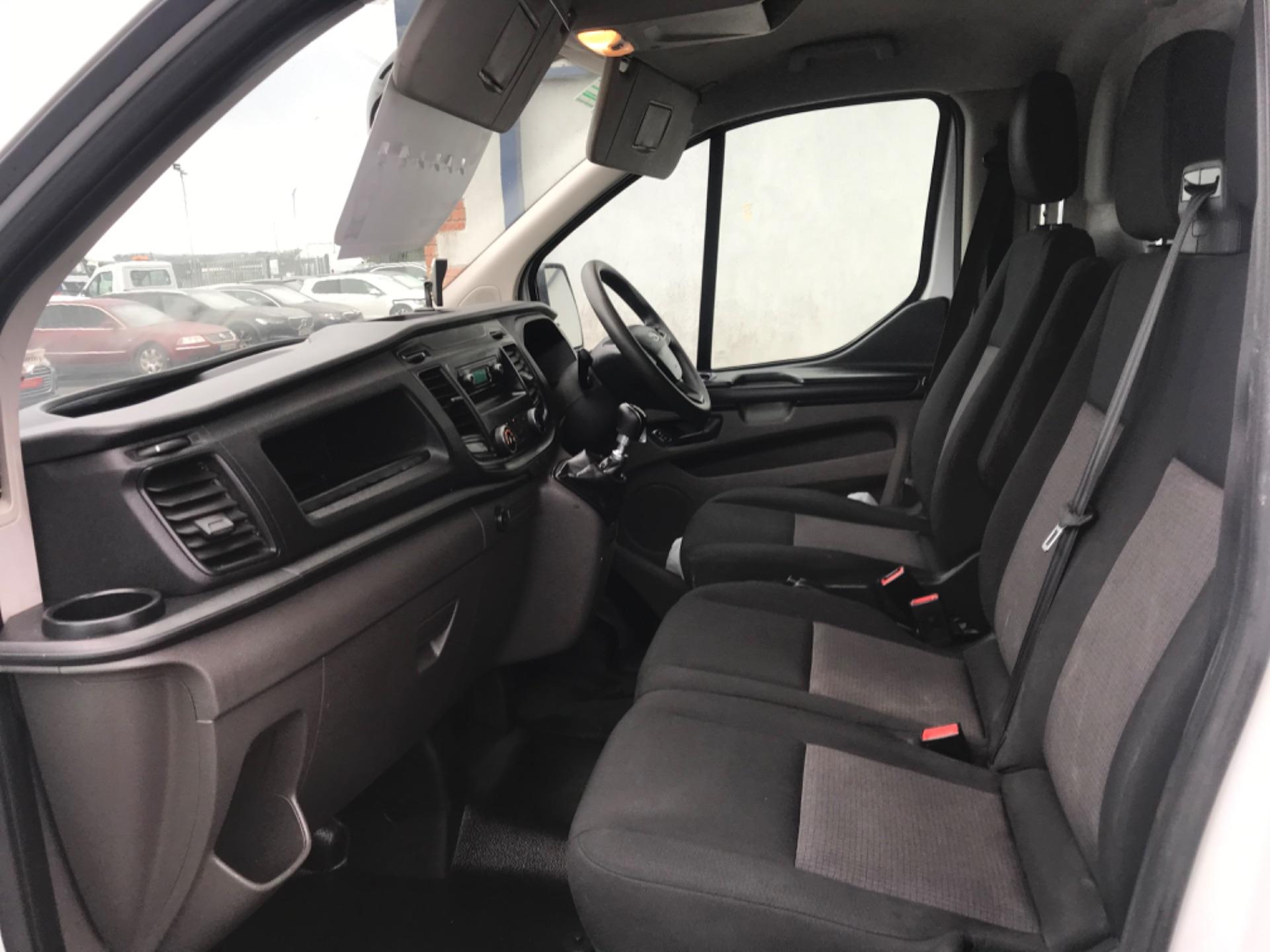 2018 Ford Transit Custom Custom 300 Lbase 2.0 105PS 3DR (181D27029) Image 11