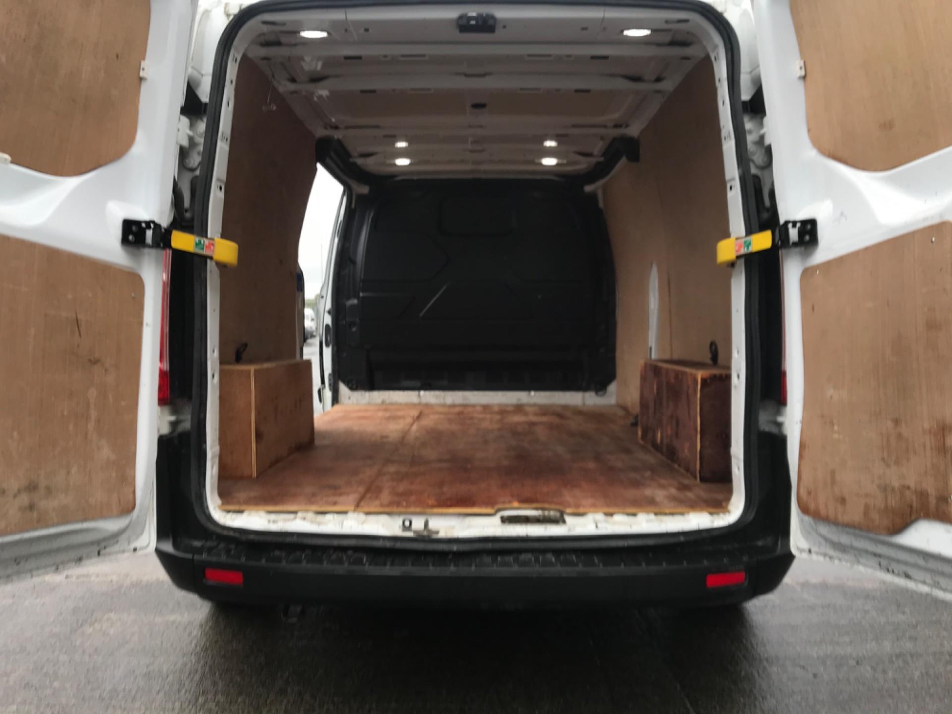 2018 Ford Transit Custom Custom 300 Lbase 2.0 105PS 3DR (181D27029) Image 9