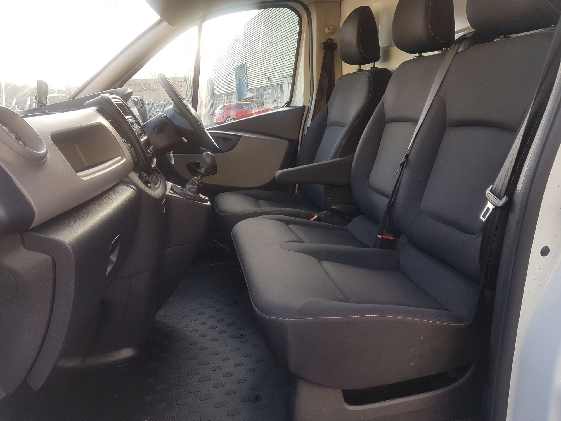 2018 Renault Trafic LL29 DCI 120 Business 3DR (181D39460) Image 11