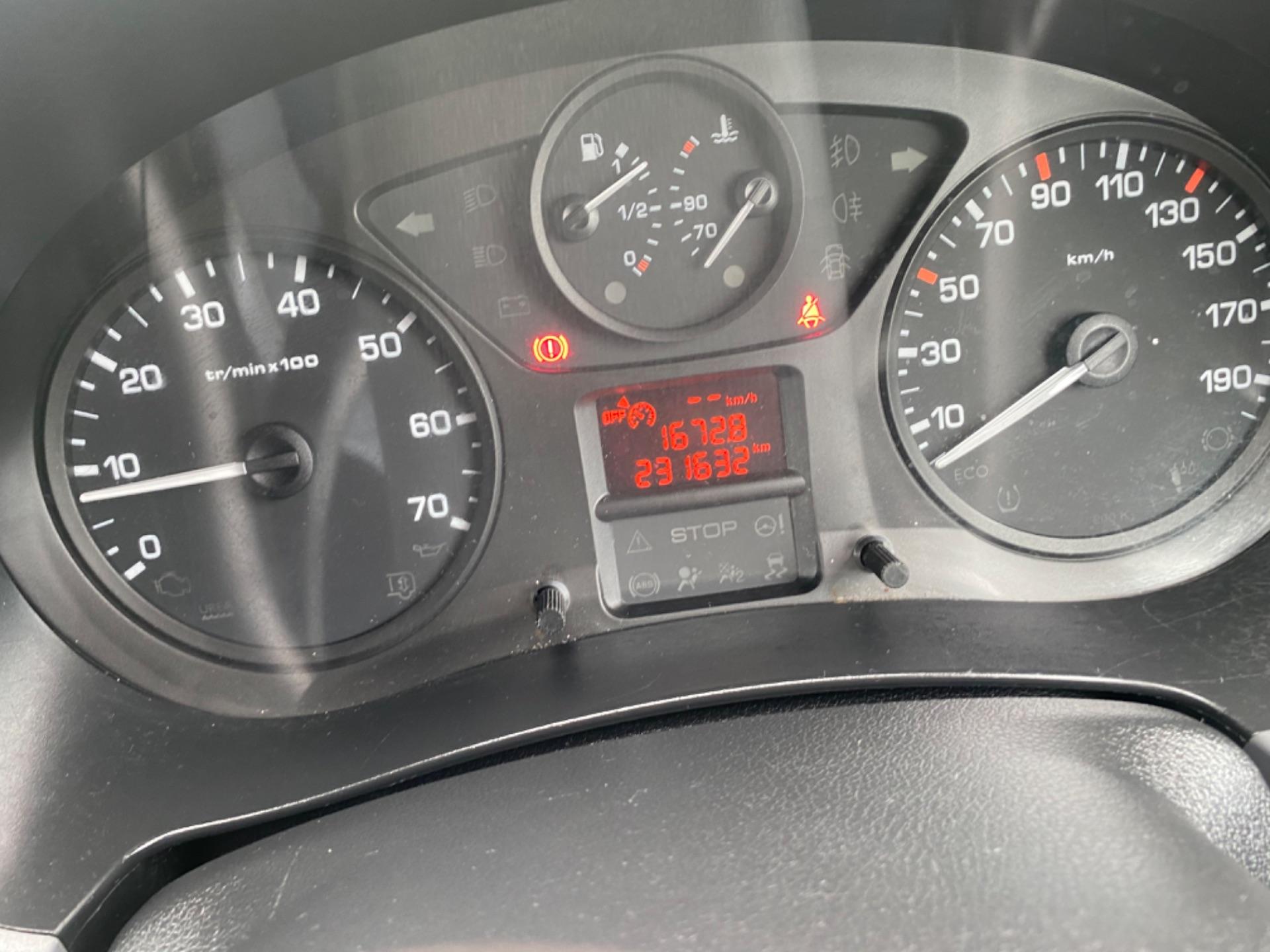 2018 Peugeot Partner Professional 1.6 Blue HDI 100 (182D17187) Image 12