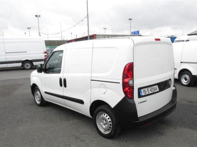 2015 Vauxhall Combo 2000 1.3 CDTI 16V L1H1 VAN (151D40044) Image 4