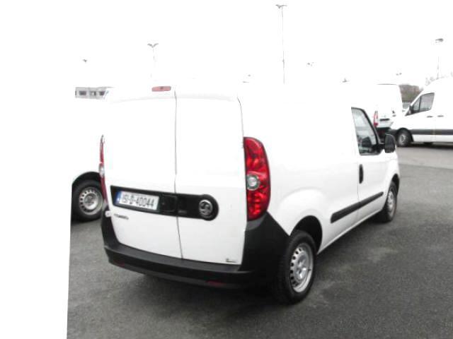 2015 Vauxhall Combo 2000 1.3 CDTI 16V L1H1 VAN (151D40044) Image 3