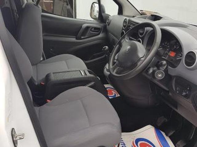 2015 Peugeot Partner 850 S L1 5DR (151D39818) Image 8