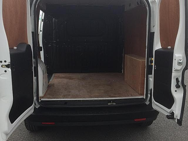 2015 Vauxhall Combo  (151D40045) Image 8