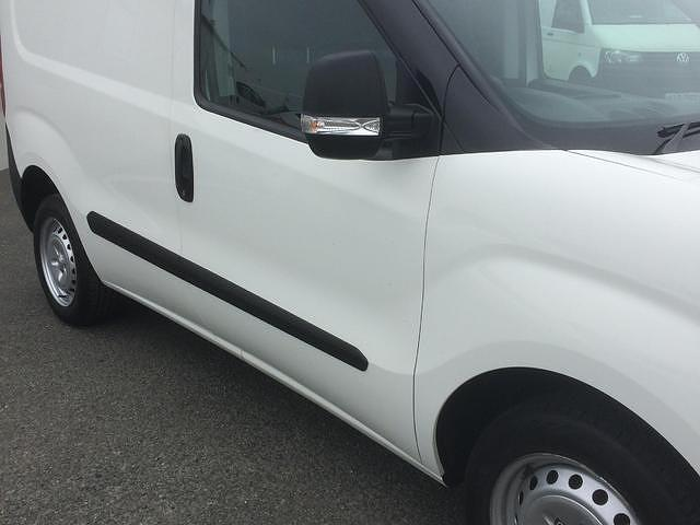 2015 Vauxhall Combo  (151D40045) Image 6