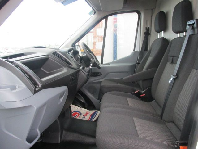 2015 Ford Transit 350 H/R P/V (FL65OWE) Image 9