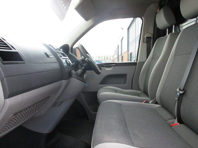2015 Volkswagen Transporter T28 TDI P/V STARTLINE (GF65LWK) Image 9