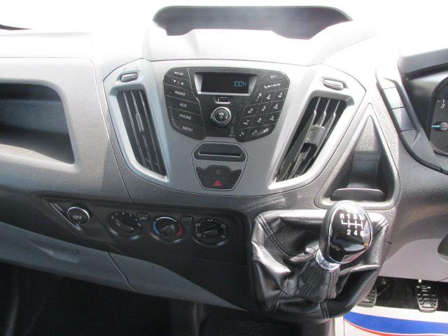 2015 Ford Transit Custom 290 LR P/V (NG64KBZ) Image 17