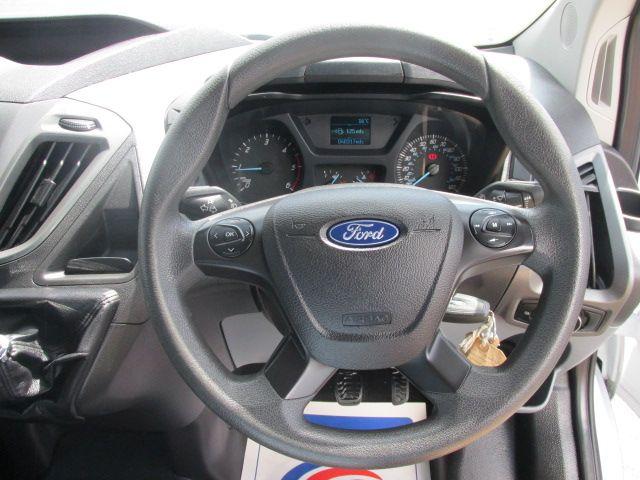 2015 Ford Transit Custom 290 LR P/V (NG64KBZ) Image 16