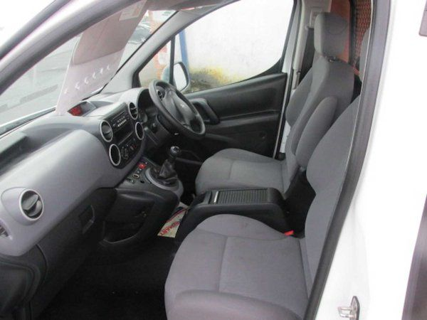 2015 Peugeot Partner HDI S L1 850 (NX15XXZ) Image 11