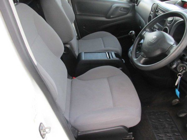 2015 Peugeot Partner HDI S L1 850 (NX65XBS) Image 13
